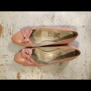 Salvador Ferragamo pink bow leather flats with